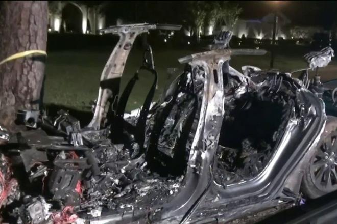 Cổ phiếu Tesla giảm sau vụ tai nạn chết người của xe ô tô điện